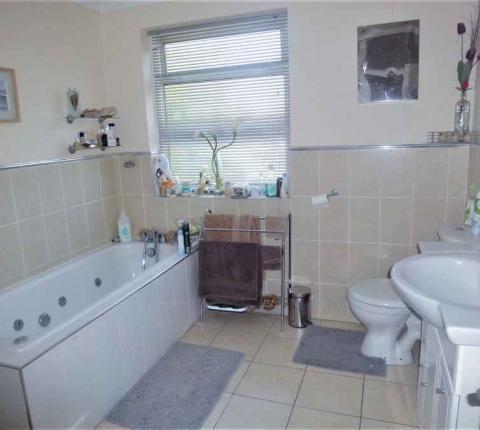 London Homestay Accommodation Bathroom
